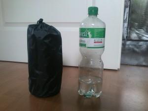 Niedliches Packmaß- kleiner als eine Wasserflasche